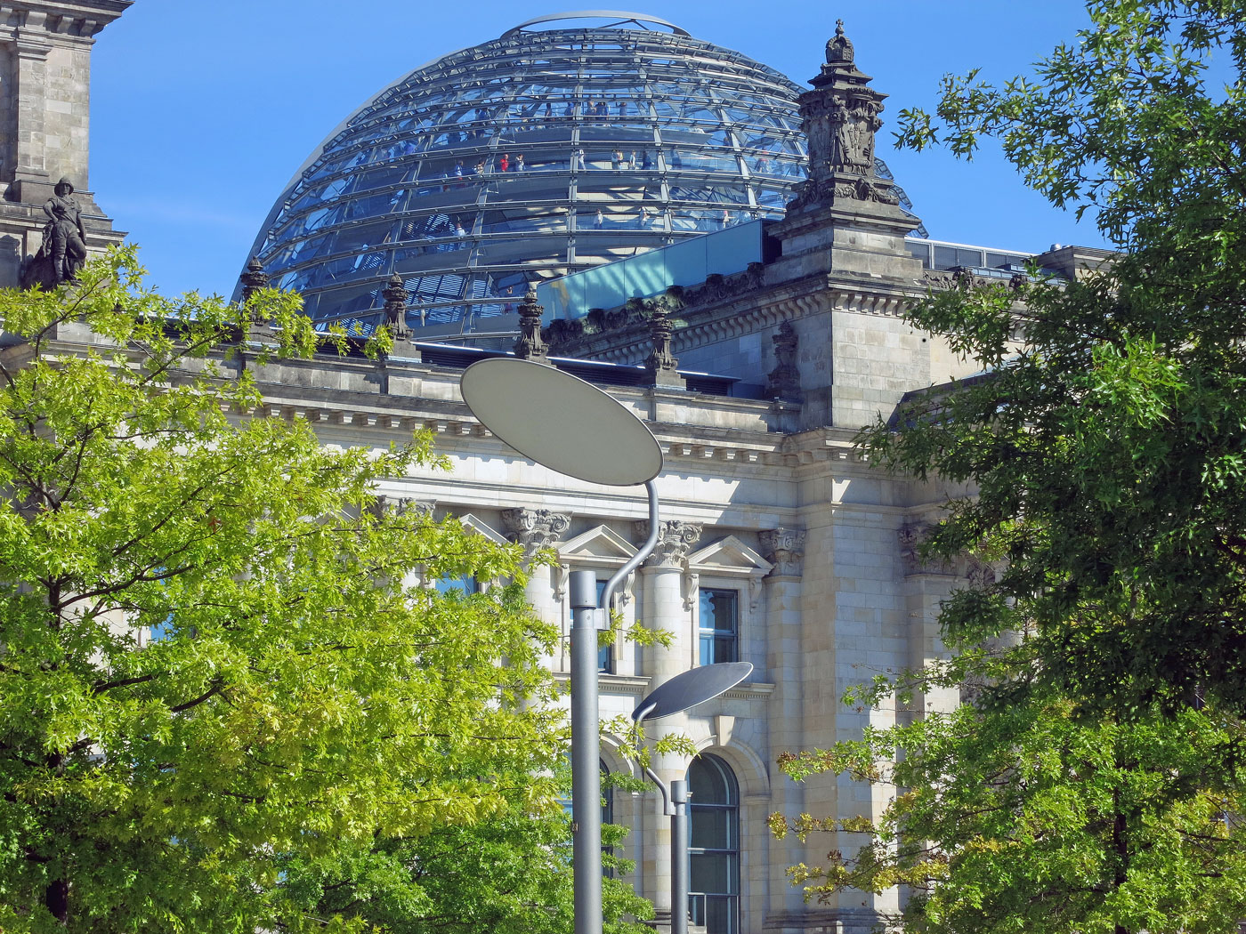 glass-dome-of-the-Reichstag